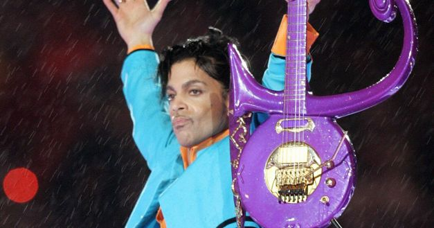 US-musician-Prince-performs-during-half-time-04-February-2007-at-Super-Bowl-XLI-at-Dolphin-Stadium